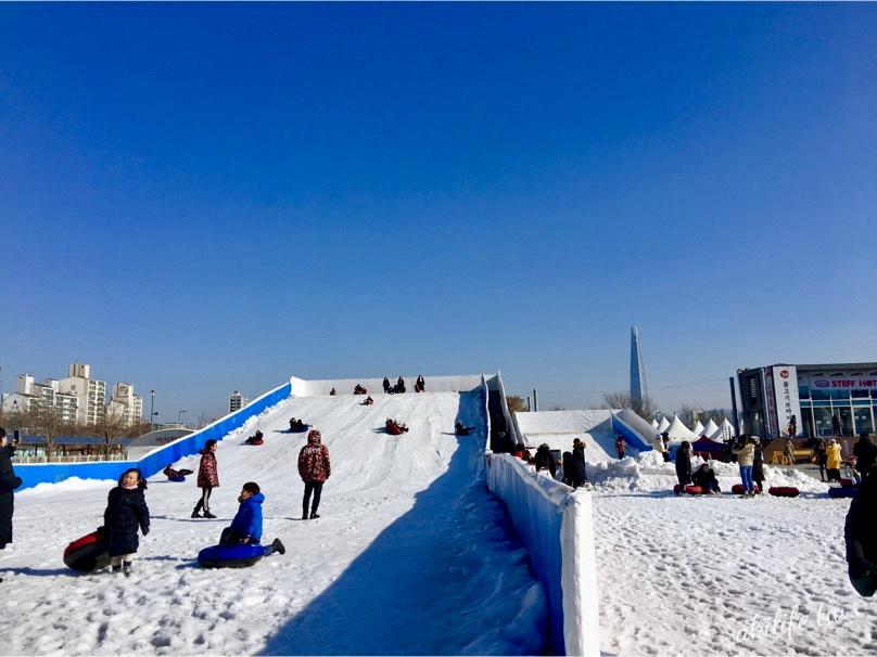 【首爾自由行●纛島】纛島漢江公園雪橇場◎冬天限定親子戲雪好去處.怎麼走?(有影片)